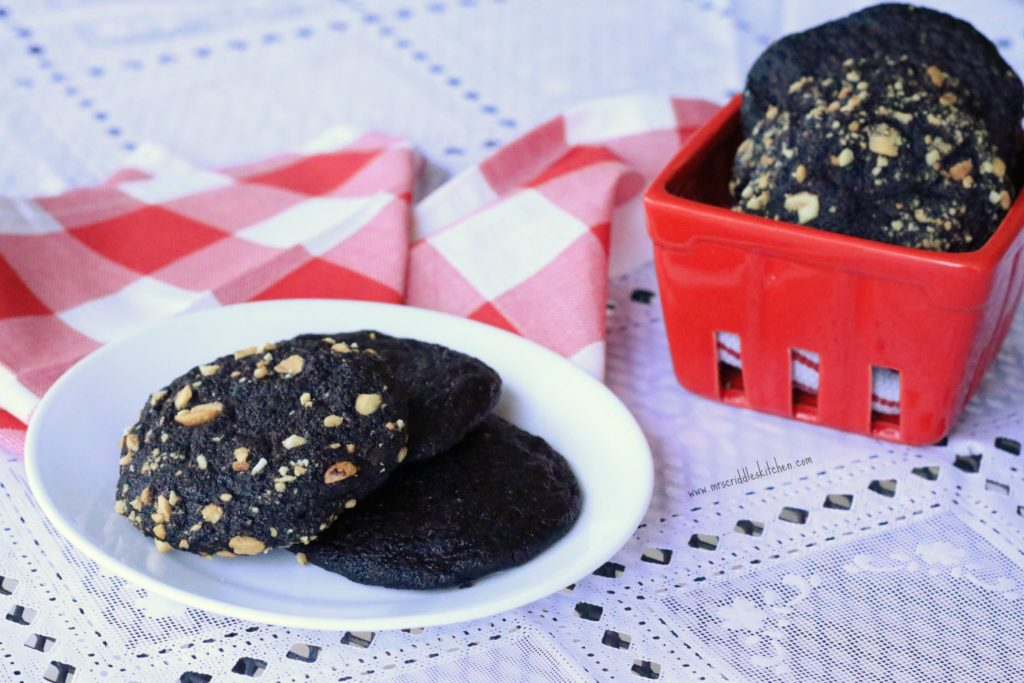 Chocolate Peanutty Cookies